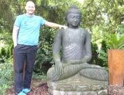 Kundenreferenz für eine gelungene Buddhafigur im Garten