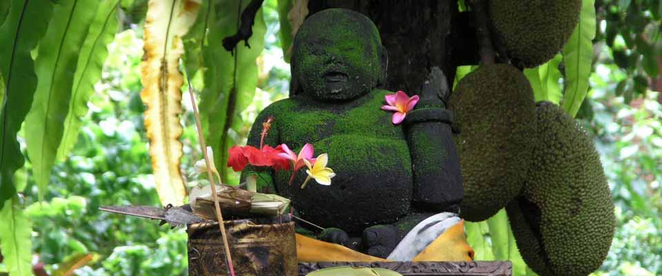 Sitzende Buddha Figur für den Garten