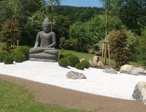 Riverstone Buddha perfekt inszeniert! Familie Eisenmenger