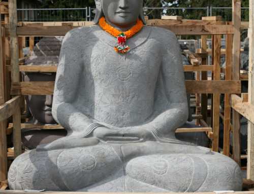 Buddha im Lotusgewand – Art. Nr: BSI-200-2-RSN