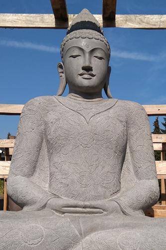 großer Stein Buddha