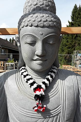 große Buddhafigur