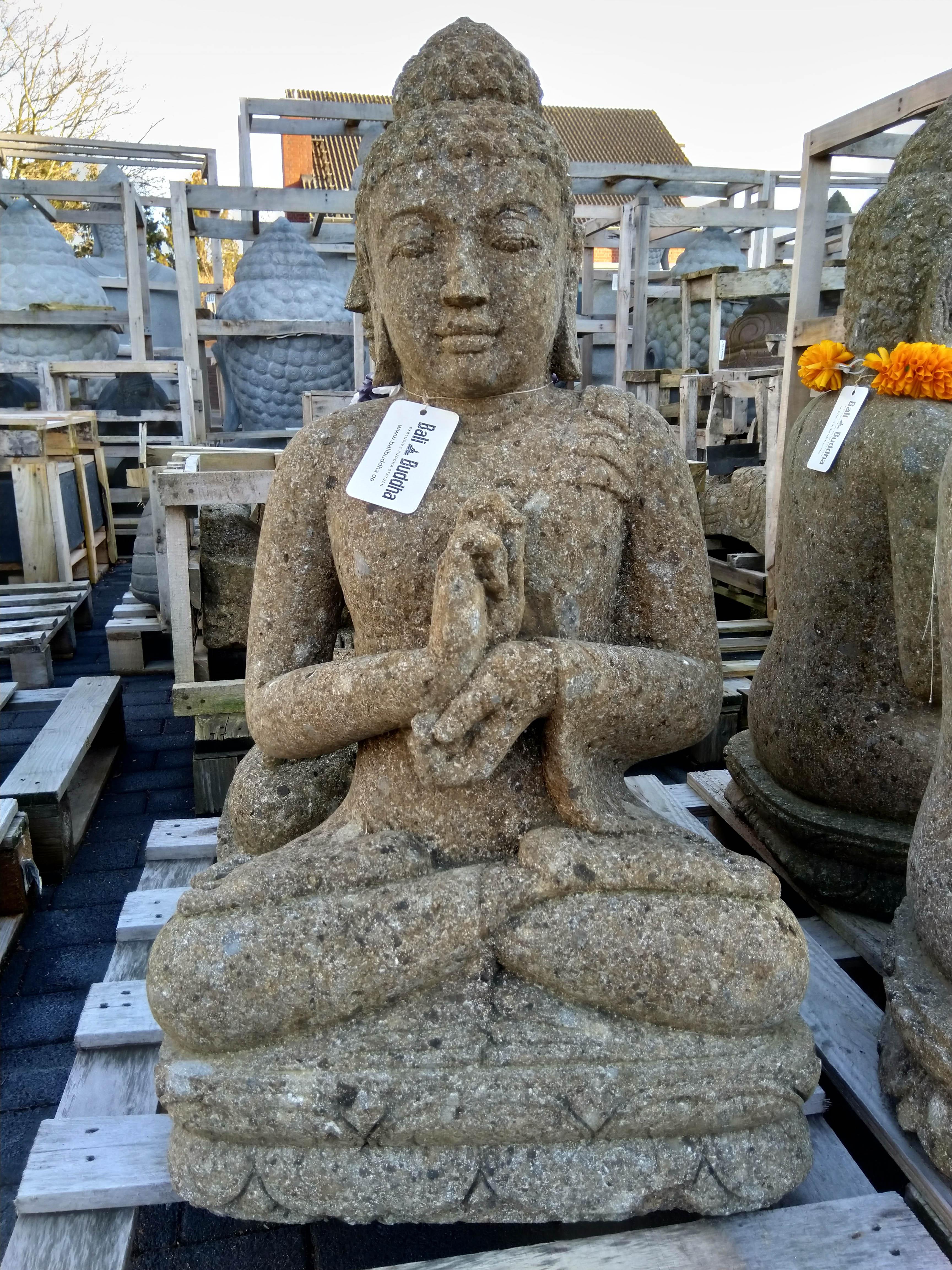 Buddha aus Vulkanstein 80 cm
