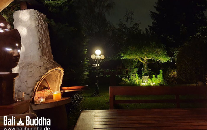 Buddha Brunnen bei Nacht